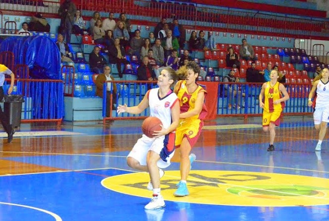Μπάσκετ Γυναικών: Πανιώνιος Γ.Σ.Σ.-Άρης Πετρούπολης 69-77 (3η παρ.)
